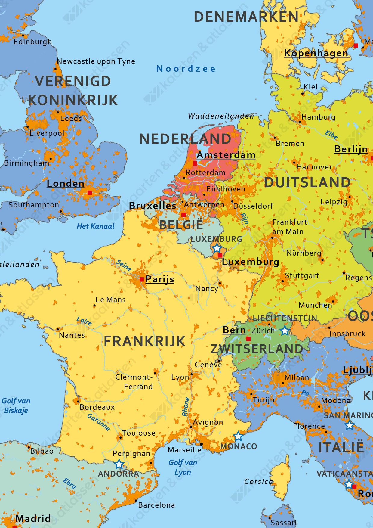 Schoolkaart Europa met vlaggen